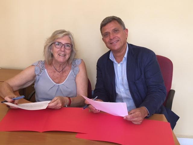 Signatura del Conveni de col·laboració entre el Col·legi de Treball Social de Catalunya i l'Associació Catalana de Perits Judicials.